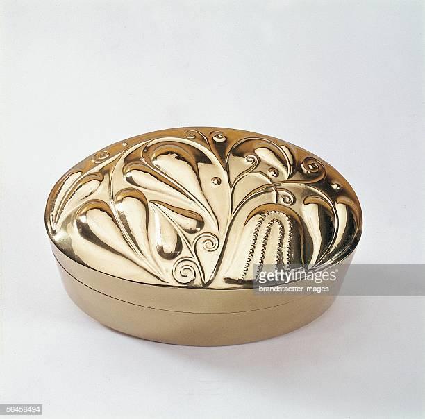 Wiener Werkstaette brass box About 1920 [Dose der Wiener Werkstaette aus Messing Um 1920]