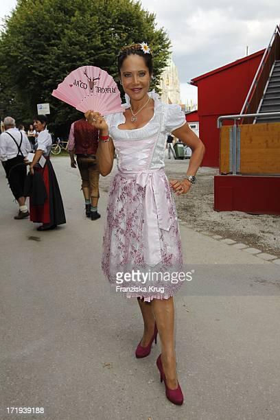 Doreen Dietel Auf Dem Weg Zum Hippodrom Auf Dem Oktoberfest In München