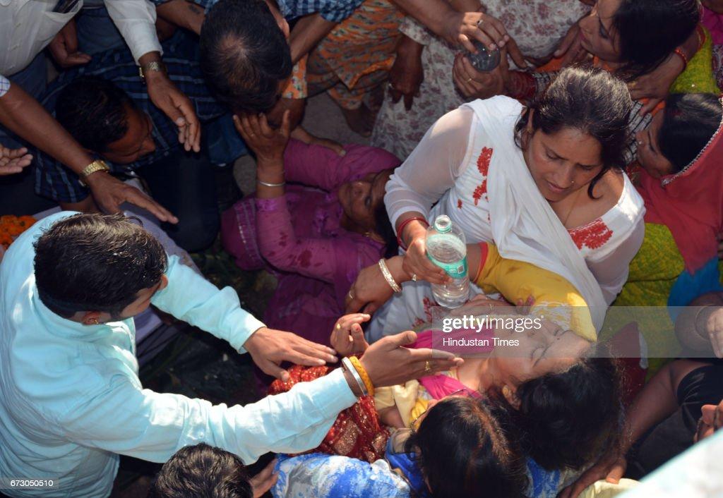 Sukma Naxal Attack: Martyr CRPF Jawans Paid Last At Native Villages : News Photo