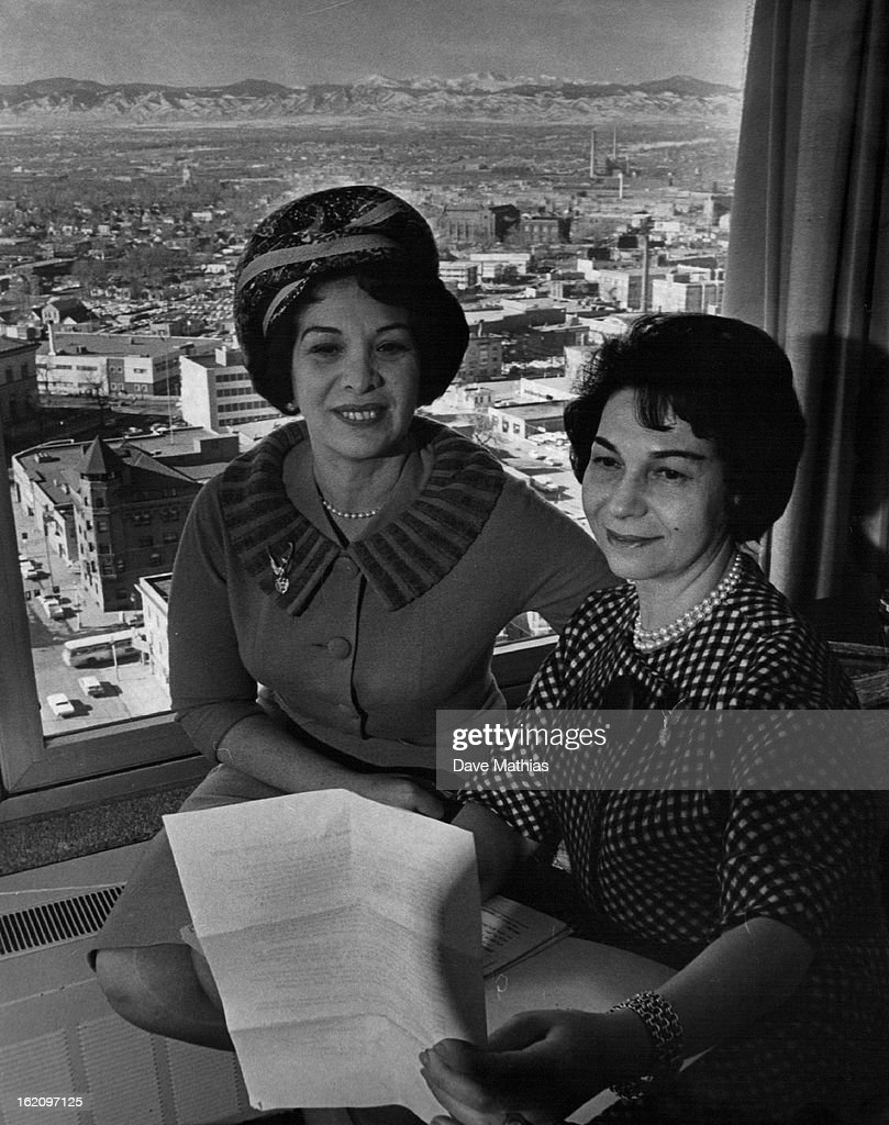 FEB 1 1962, FEB 2 1962; Wife Of Famous Singer Visits Denver; Mrs. Jan Peerce, right, discusses Israe : News Photo