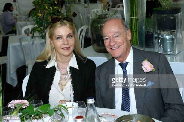 Wife of Italy's Ambassador to France Giada Magliano and Prince Amyn Aga Khan attend the Days of Plants 2017 at Chateau de Chantilly on May 19 2017 in...