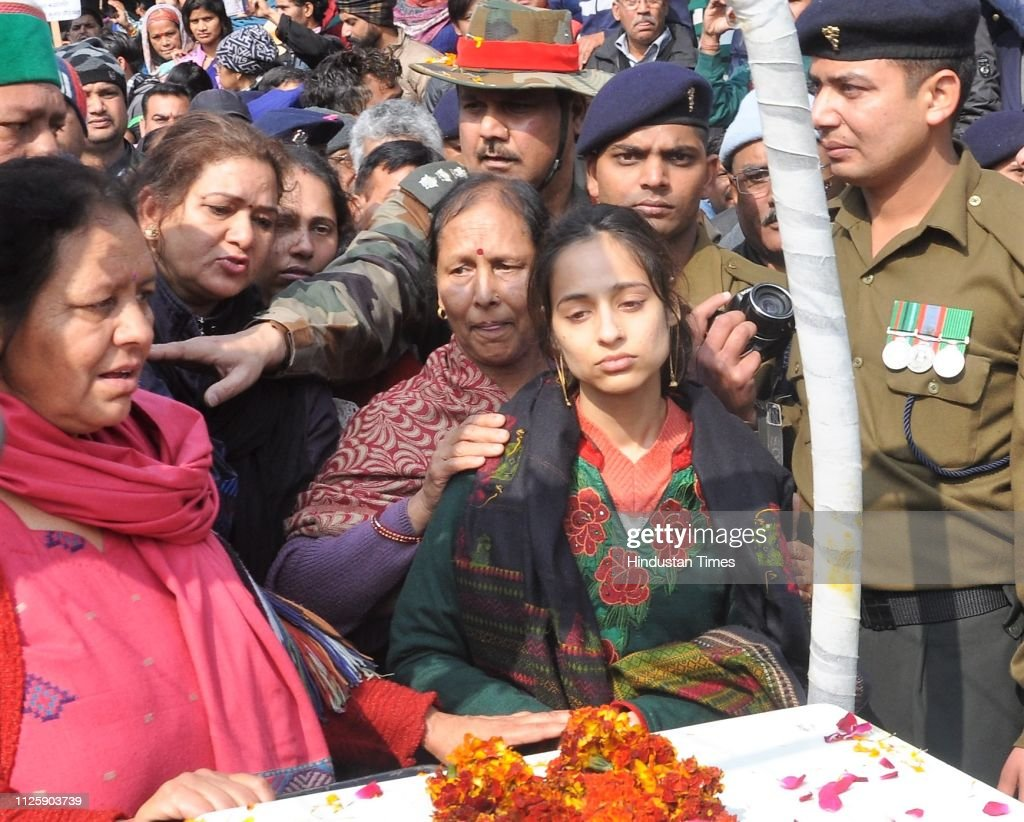 IND: People Pay Respect To Martyr Major Vibhuti Shankar Dhoundiyal
