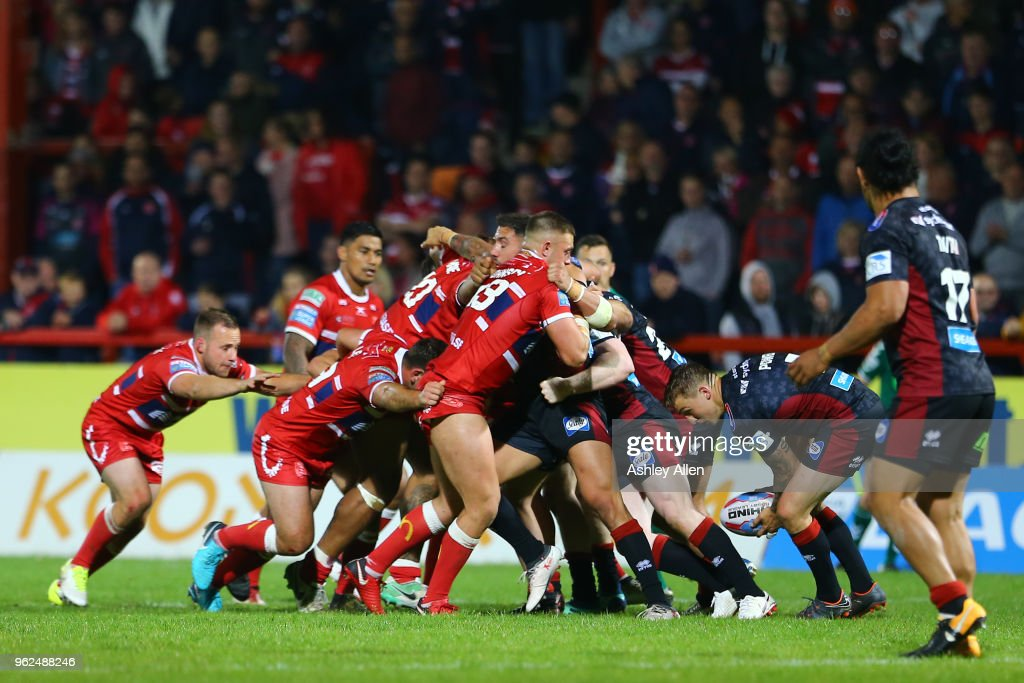 Wigan Warriors and Hull KR scrum during the Betfred Super League at KCOM Craven Park on May 25, 2018 in Hull, England.