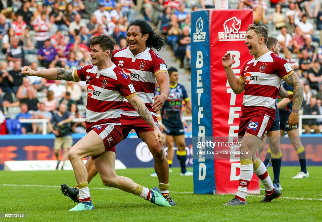 Wigan Warriors' John Bateman celebrates after scoring his side's third try during the Betfred Super League Round 15 match between Wigan Warriors and Warrington Wolves at St James' Park on May 19, 2018 in Newcastle upon Tyne, England.