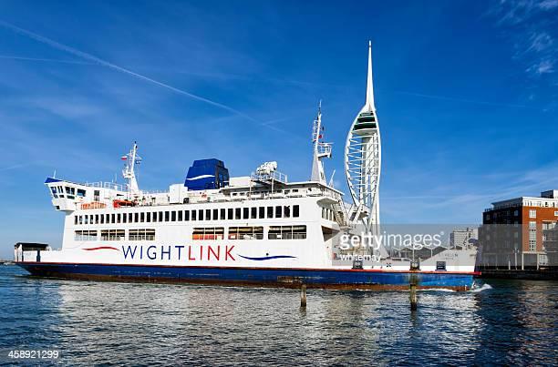 Wightlink フェリーの到着・ポーツマス