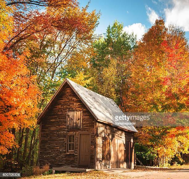 ニューハンプシャー州の野生の小屋 - メレディス ストックフォトと画像