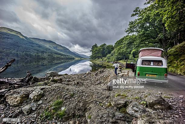 wild camping  in scotland - camper van stock pictures, royalty-free photos & images