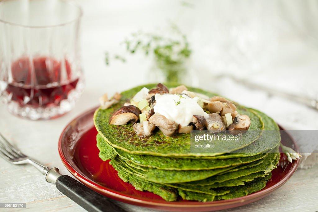Wild garlic pancakes : Stock-Foto