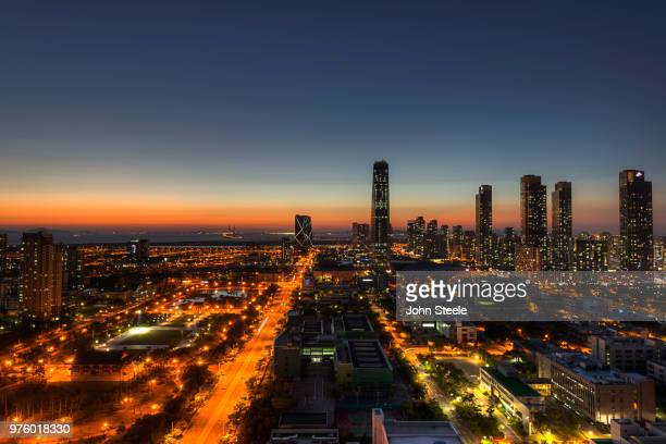 wild, wild, west - songdo ibd stock pictures, royalty-free photos & images