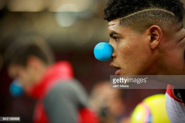 Wilder Cartagena of Veracruz wears a blue nose supporting autism desease prior the 14th round match between Chivas and Veracruz as part of the Torneo...