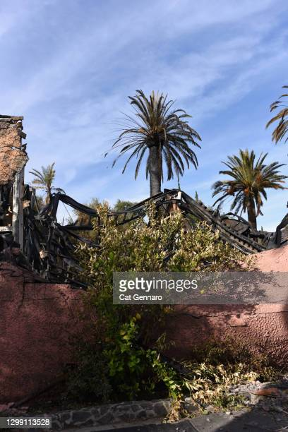 wildfires damage a home that sits unstable on hill - santa ana california stock pictures, royalty-free photos & images