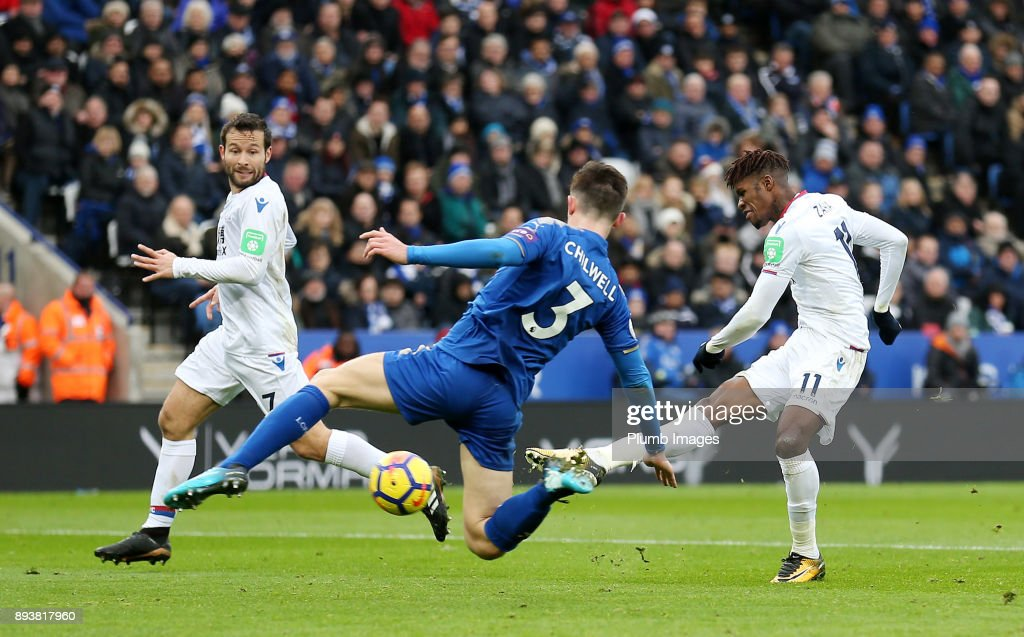 Wilfred Zaha of Crystal Palace scores to make it 0-2 during the Premier League match between Leicester City and Crystal Palace at King Power Stadium on December 16th , 2017 in Leicester, United Kingdom.