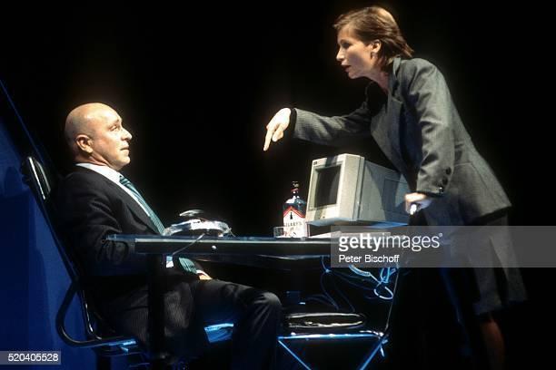Wilfried Baasner Susanne Uhlen Generalprobe vom Theaterstück 'Geld anderer Leute' am im 'Renaissance Theater' in Berlin Deutschland