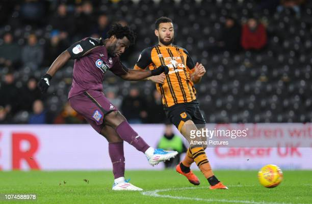 Wilfried Bony of Swansea City scores the opening goal during the Sky Bet Championship match between Hull City and Swansea City at The KCOM Stadium on...