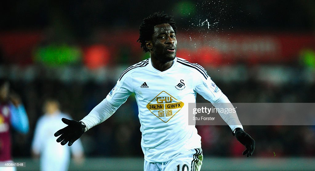 Swansea City v Aston Villa - Premier League : News Photo