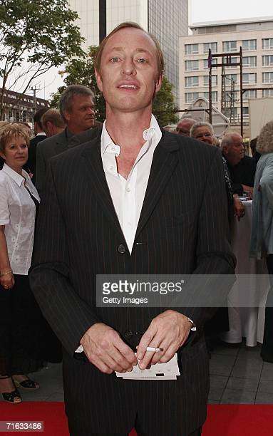 Wilfried Hochholdinger attends the premiere of the play Die Dreigroschenoper at the Admiralspalast August 11 2006 in Berlin Germany The production is...