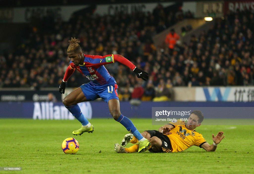 Wolverhampton Wanderers v Crystal Palace - Premier League : News Photo