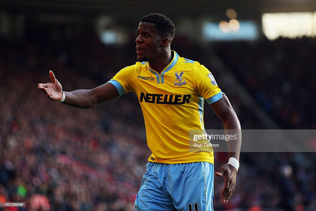 Wilfried Zaha of Crystal Palace argues with the referee during the FA Cup Fourth Round match between Southampton and Crystal Palace at St Mary's Stadium on January 24, 2015 in Southampton, England.