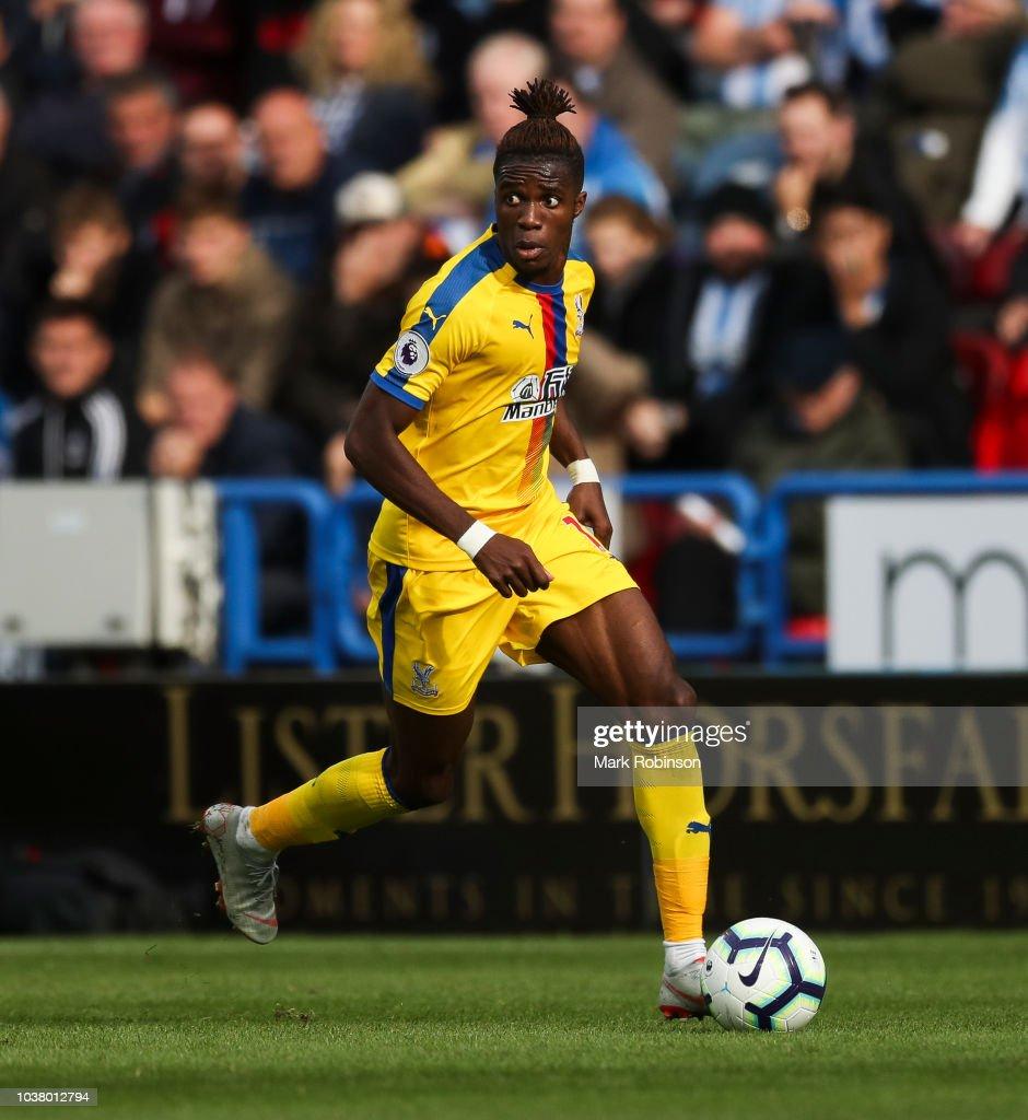 Huddersfield Town v Crystal Palace - Premier League : News Photo