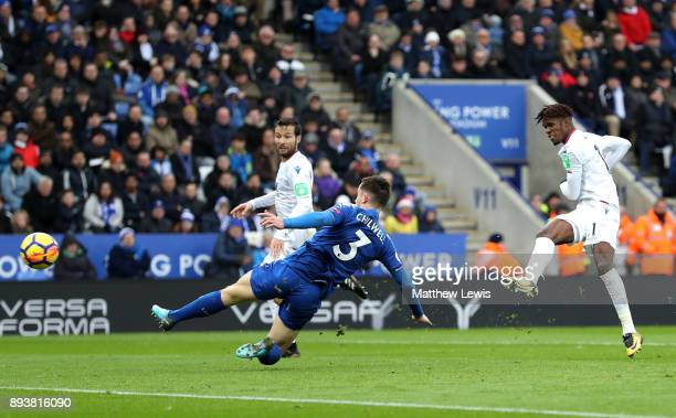 Wilfried Zaha of Crystal Palace scores his sides second goal during the Premier League match between Leicester City and Crystal Palace at The King...