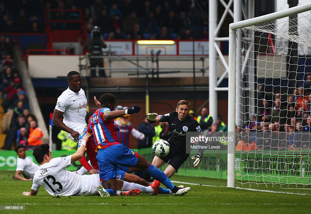 Wilfried Zaha of Crystal Palace scores the opening goal during the Barclays Premier League match between Crystal Palace and Queens Park Rangers at Selhurst Park on March 14, 2015 in London, England.