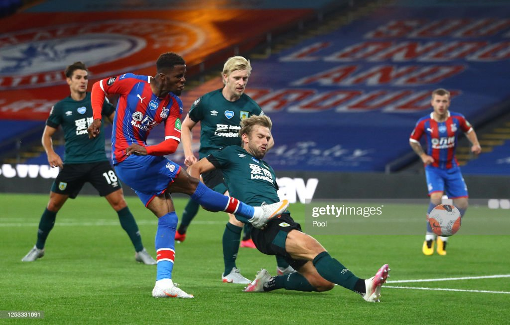 Crystal Palace v Burnley FC - Premier League : News Photo