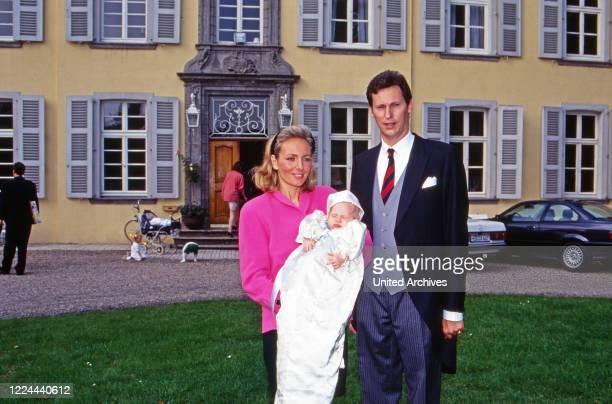 Wilhelm Albert Prince von Urach, Count of Wurttemberg, with his wife Karen, nee von Brauchitsch, in front of Ossenberg castle at Rheinberg, Germany,...