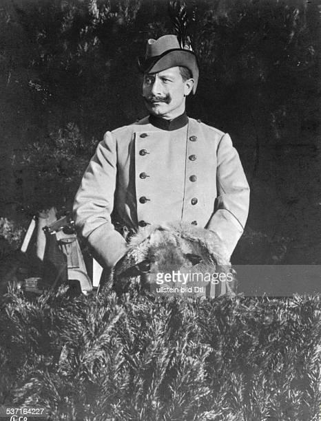 Wilhelm II Deutscher Kaiser 18881918 Koenig von Preussen in Jagduniform undatiert