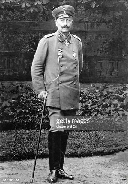 Wilhelm II Deutscher Kaiser 18881918 Koenig von Preussen Einzelaufnahme in Uniform 1916