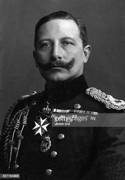 Wilhelm II German Emperor 18881918 King of Prussia Portrait in British Uniform about 1900 Photographer TH Voigt Vintage property of ullstein bild