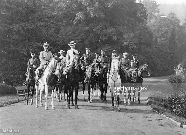 Wilhelm II German Emperor 18881918 King of Prussia Wilhelm II his wife Empress Auguste Victoria and entourage going for a ride in Wilhelmshoehe near...