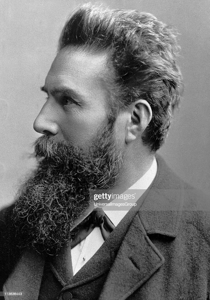 wilhelm rontgen and the nobel prize Hi i choose who people won the nobel prize or phis ics he was wilhelm conrad rontegn i want that that information is good for you i choose him because he make a very important things in phisics and he was a very important people.
