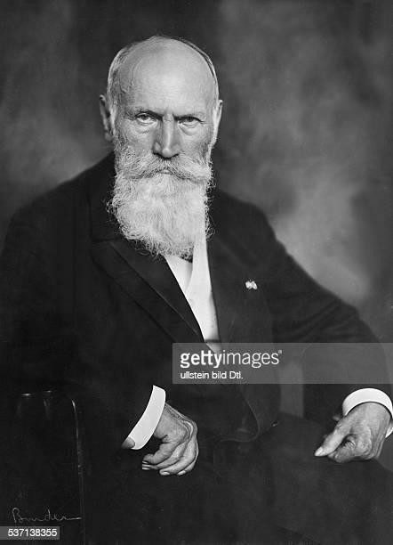 Wilhelm Waldeyer,,Wilhelm vo Waldeyer , Waldeyer, Wilhelm von, Mediziner, Anatom, D, Porträt, - um 1917, veröffentlicht: Nr. 4/1921, Foto: Atelier...