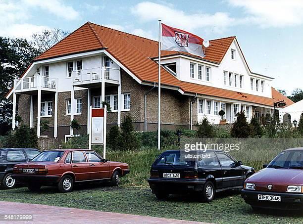 Wilkendorf Golfakademie auf der Golfanlage Wilkendorf die zwei 18LochPlätze bietet einen öffentlichen und einen Meisterschafts Course September 1995