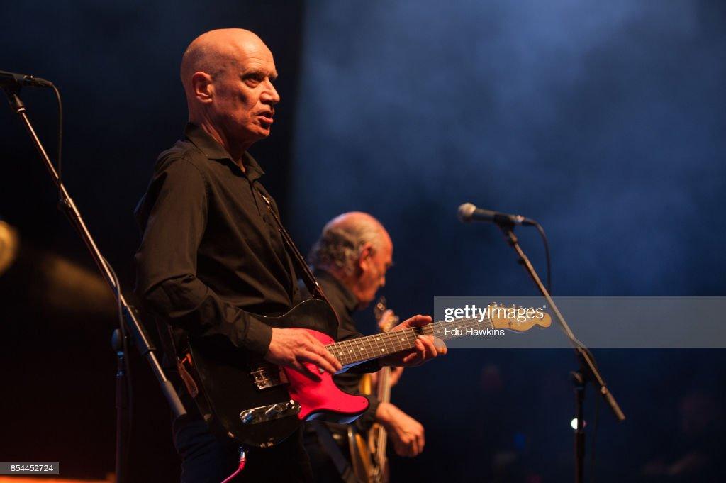 Wilko Johnson Performs At The Royal Albert Hall : News Photo