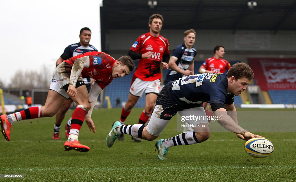 Will Addison of Sale dives over to score a try during the Aviva Premiership match between London Welsh and Sale Sharks at Kassam Stadium on February 15, 2015 in Oxford, England.