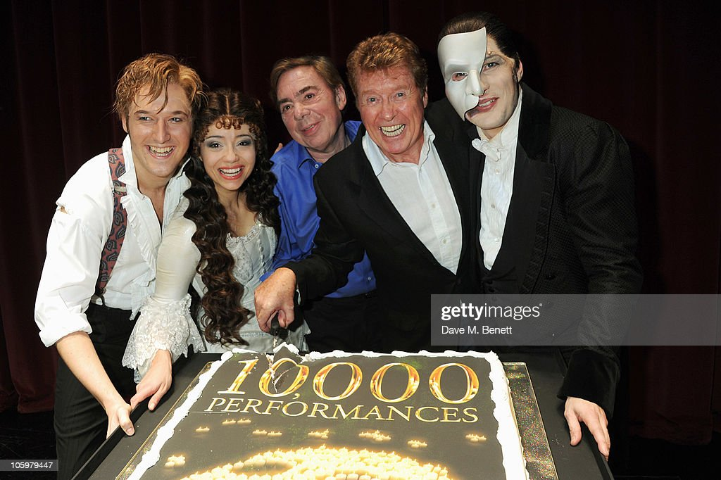 Michael Crawford Attends the 10,000th Performance Of The Phantom Of The Opera : News Photo