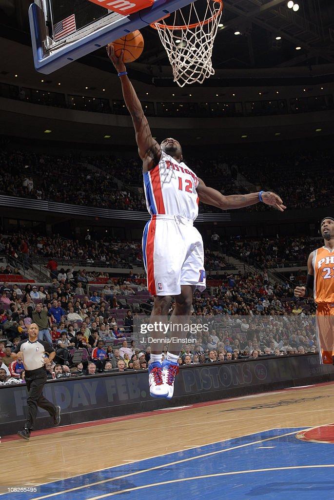 Phoenix Suns v Detroit Pistons
