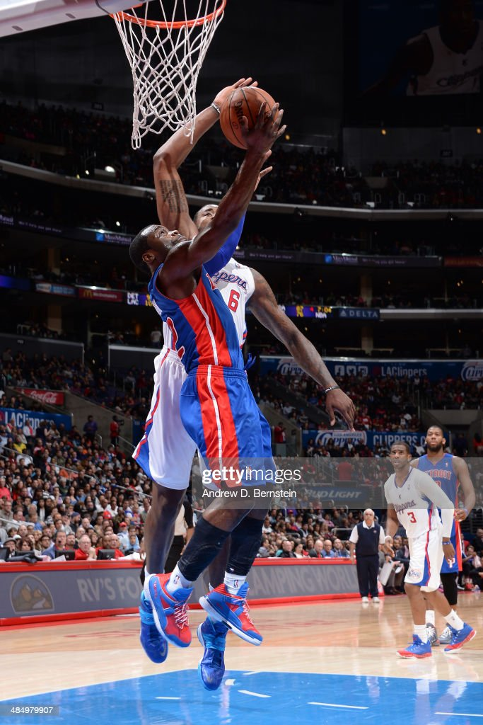 Will Bynum #12 of the Los Angeles Clippers goes up for the reverse layup against the Detroit Pistons at STAPLES Center on March 22, 2014 in Los Angeles, California.