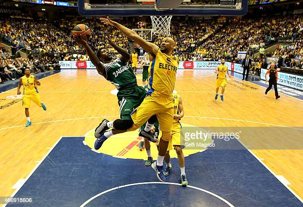 Will Cherry #1 of Zalgiris Kaunas competes with Devin Smith #6 of Maccabi Electra Tel Aviv during the Turkish Airlines Euroleague Basketball Top 16...