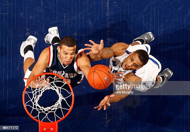 Will Coleman of the Memphis Tigers fights for a rebound against Elias Harris of the Gonzaga Bulldogs on February 6, 2010 at FedExForum in Memphis,...