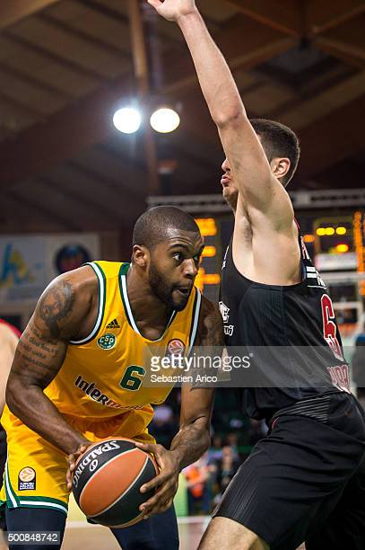 Will Daniels #6 of Limoges CSP competes with Ioannis Papapetrou #6 of Olympiacos Piraeus during the Turkish Airlines Euroleague Basketball Regular...