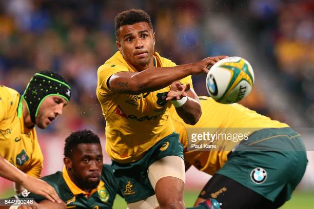 Will Genia of Australia paxses the ball during The Rugby Championship match between the Australian Wallabies and the South Africa Springboks at nib...