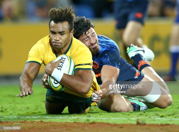 Will Genia of the Wallabies scores a try during The Rugby Championship match between the Australian Wallabies and Argentina Pumas at Cbus Super...