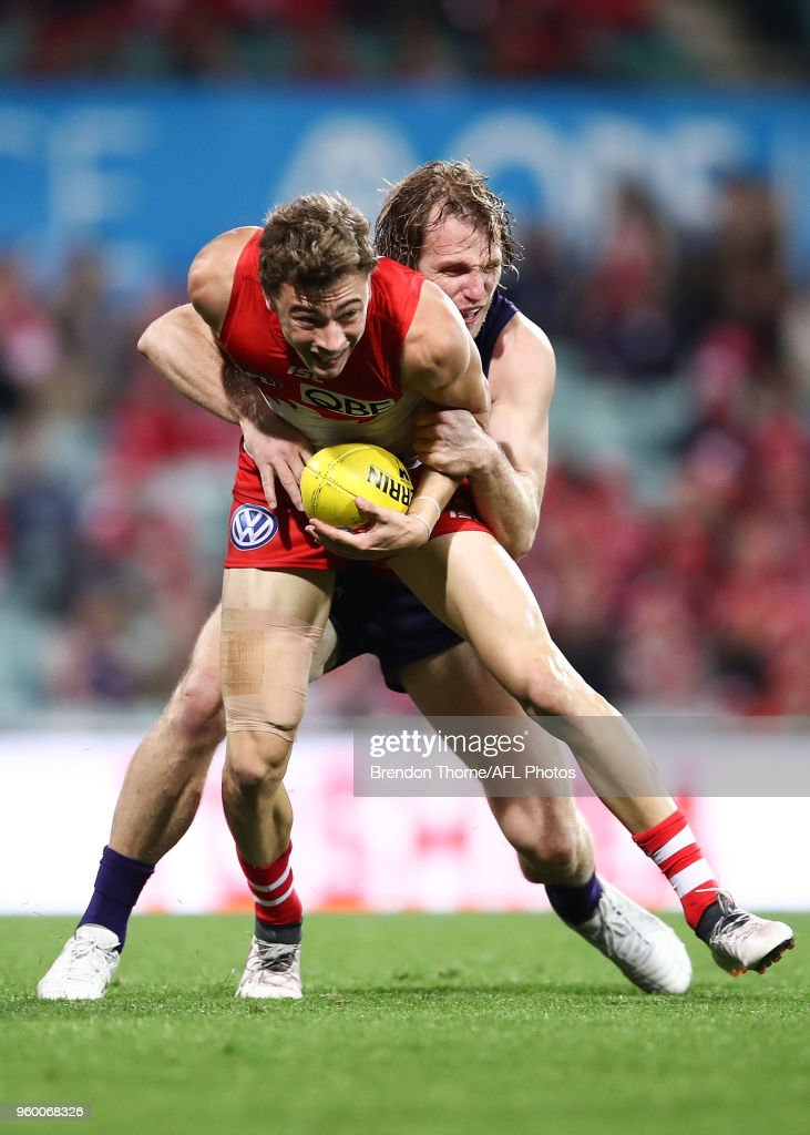 Will Hayward of the Swans contests the ball during the round nine AFL match between the Sydney Swans and the Fremantle Dockers at Sydney Cricket Ground on May 19, 2018 in Sydney, Australia.