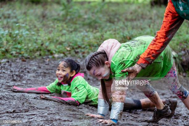 i will help you up! - endurance race stock pictures, royalty-free photos & images