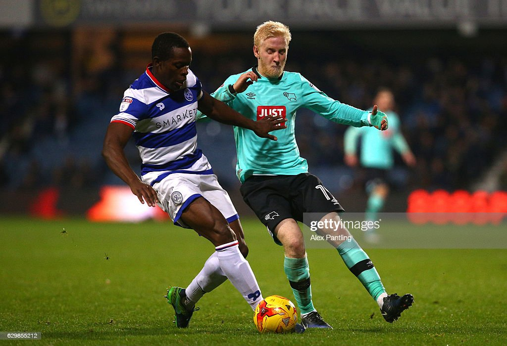Will Hughes of Derby County is held off by Nedum Onuoha of QPR during the Sky Bet Championship match between Queens Park Rangers and Derby County at Loftus Road on December 14, 2016 in London, England.