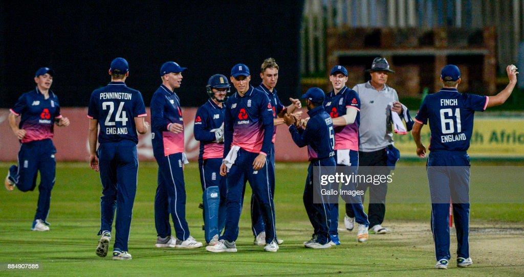 U/19 Tri Series: South Africa v England : Photo d'actualité