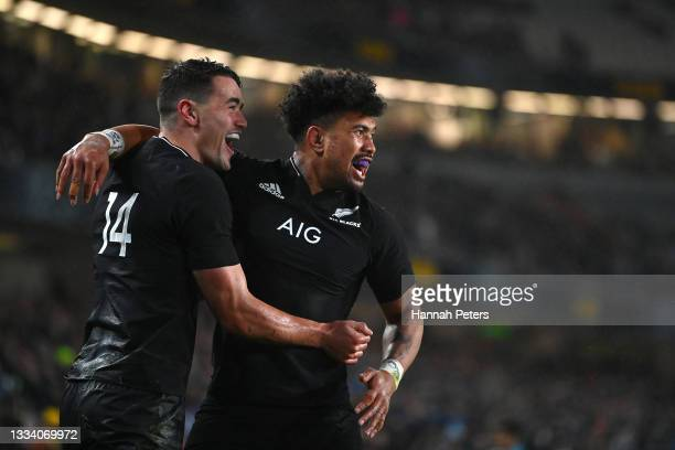 Will Jordan of the All Blacks is congratulated on his try by Ardie Savea during The Rugby Championship and Bledisloe Cup match between the New...
