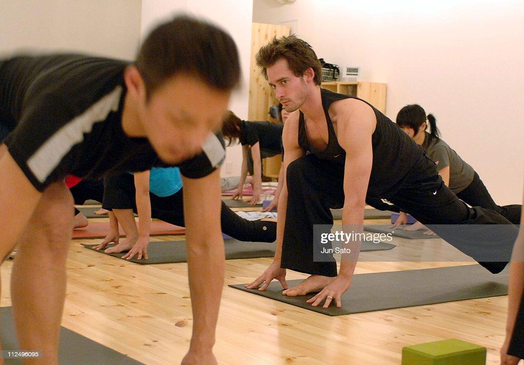Will Kemp Visits Yoga Workshop for Japanese Yoga Students - April 13, 2005